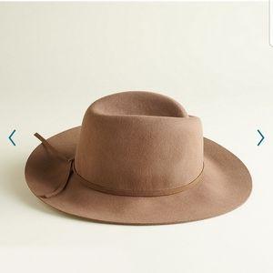 NWT Elizabeth and James Felt Panama Hat